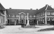 Buntingford, War Memorial And Old Almshouses c.1955