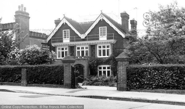 Burgess Hill, Dene Hollow Hotel c.1960