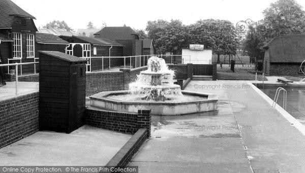 Burgess Hill, The Fountain, St John's Park c.1960