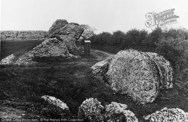 Burgh Castle, Breach In The Castle Wall c.1931