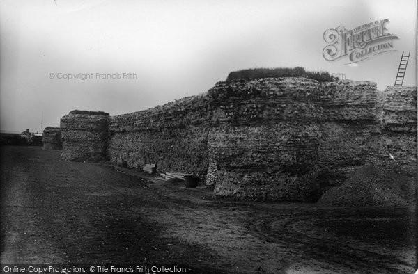 Burgh Castle, Castle Ruins, Roman Wall c.1950