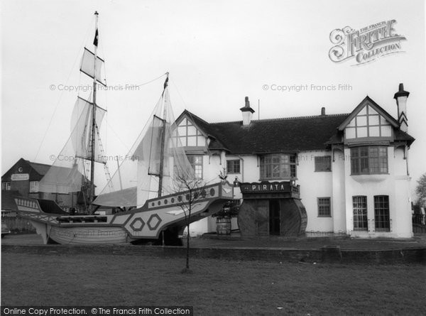 Burgh Heath, Il Pirata c.1960