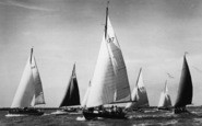 Burnham-On-Crouch, Cruisers During Burnham Week c.1950