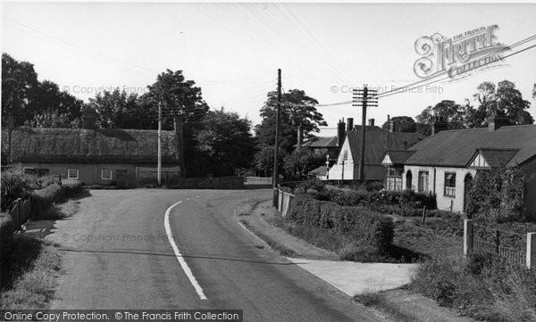 Burnham On Crouch, Eves Corner c.1955