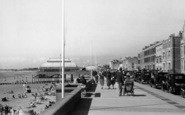 Burnham-On-Sea, Central Promenade c.1939