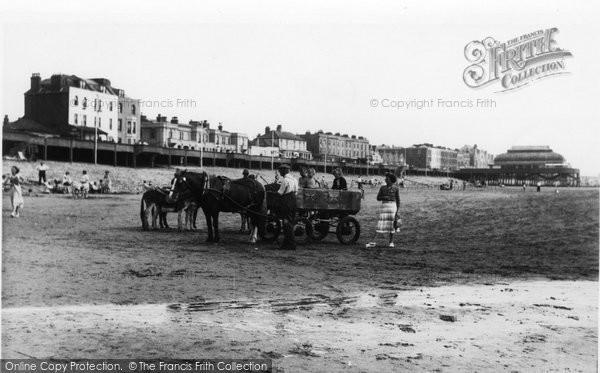 Burnham On Sea, The Beach c.1939