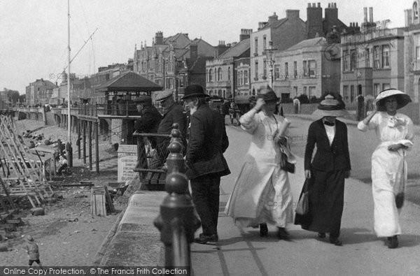 Burnham On Sea, Women  1913