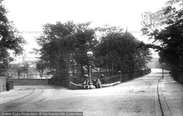 Burnley, Colne Road 1895