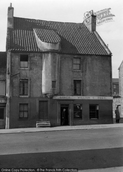 Photo of Burntisland, Corner of High Street and Lothian Street 1953