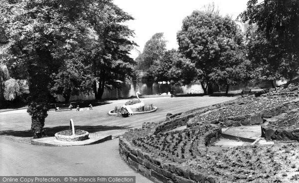 Burton On Trent, Stapenhill Gardens c.1960