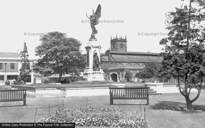 Burton On Trent, War Memorial c.1955
