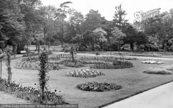 Bury St Edmunds, Abbey Gardens c.1955