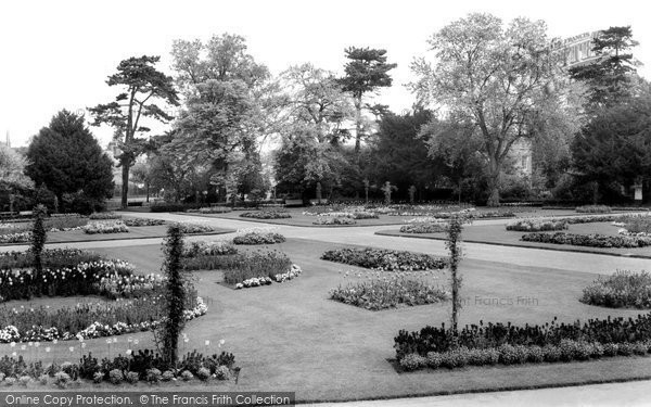 Bury St Edmunds, Abbey Gardens c.1965
