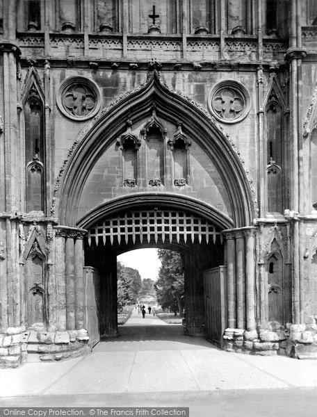 Bury St Edmunds, Abbey Gate, Portcullis 1929