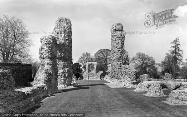 Bury St Edmunds, Abbey Ruins c.1962