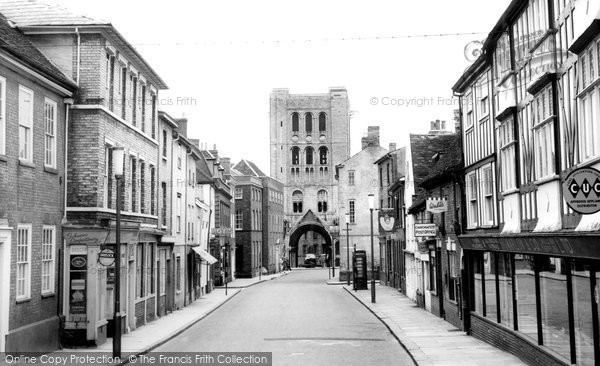 Bury St Edmunds, Churchgate Street c.1955
