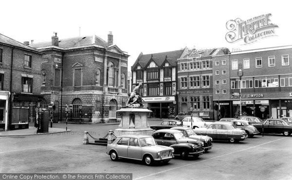 Bury St Edmunds, Cornhill c.1965