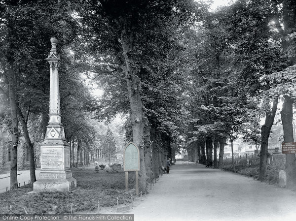 Bury St Edmunds, Martyrs' Memorial 1929