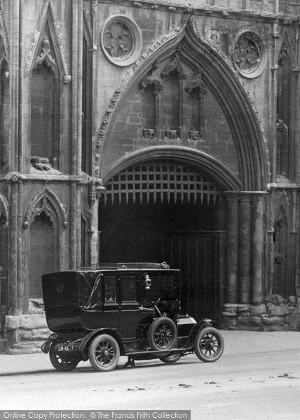 Bury St Edmunds, Old Car By The Abbey Gate 1922