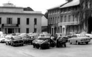 Bury St Edmunds, Setting Up A Market Stall, Angel Hill c.1965