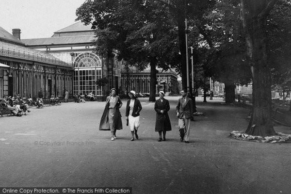 Buxton, Pavilion Gardens 1932