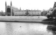 Cambridge, King's and Clare Colleges c1960