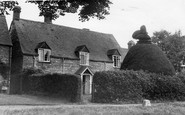 Cleeve Prior, Peacock House c.1955