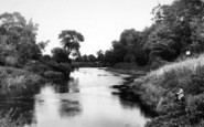 Cleeve Prior, The River c.1960