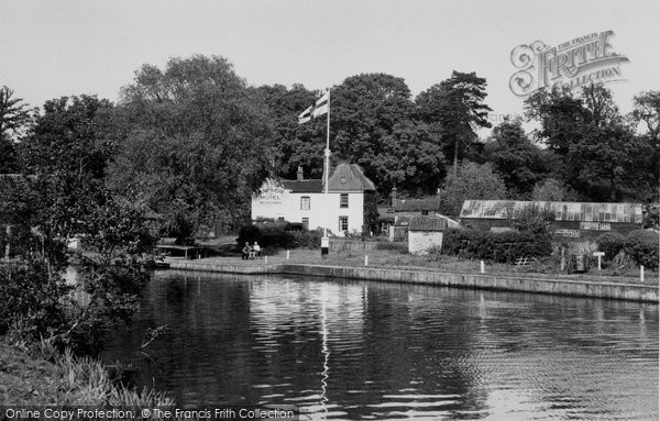 Coltishall, The Anchor Hotel Moorings 1950
