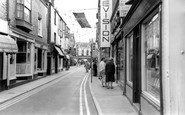 Cowes, High Street c1965