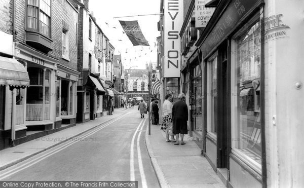 Photo of Cowes, High Street c.1965