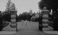Darlington, South Park Gates 1929