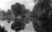 Darlington, South Park Lake And Bridge 1911