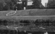 Darlington, South Park, Lake And Lodge 1911