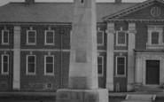 Darlington, War Memorial c.1935