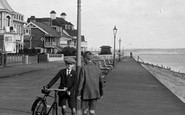 Deal, Boys, Marina Parade 1924