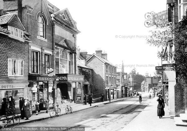East Grinstead, London Road 1914