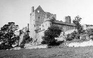 Edinburgh, Craigmillar Castle 1950