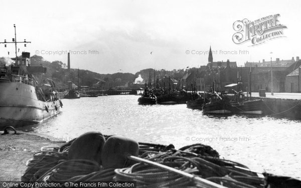 Eyemouth, Evening At The Harbour c.1960