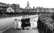 Fairhaven, Going For A Stroll 1913