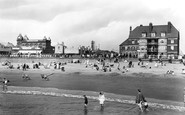 Gorleston, The Beach And The Promenade 1922