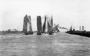 Gorleston, The Harbour 1894