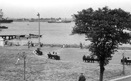 Gravesend, The Promenade From The Recreation Ground c.1955