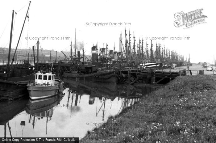 Grimsby the fish dock a forest of masts francis for Docks fish menu