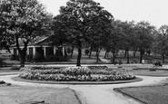 Harrogate, The Valley Gardens c.1950