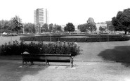Hemel Hempstead, Shell Mex Buildings and Gardens c1965