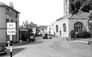 Henley-On-Thames, Hart Street And St Mary's Church c.1955