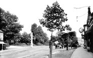 Photo of Henley-On-Thames, Oxford Road and Obelisk 1899