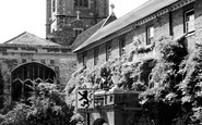 Henley-On-Thames, St Mary's Church And Red Lion c.1965