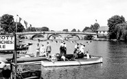 Henley-on-Thames, The River c.1960